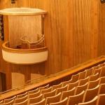 Neubespannung in Schweinsleder, Innendekoration der Brüstungen der Oper Leipzig