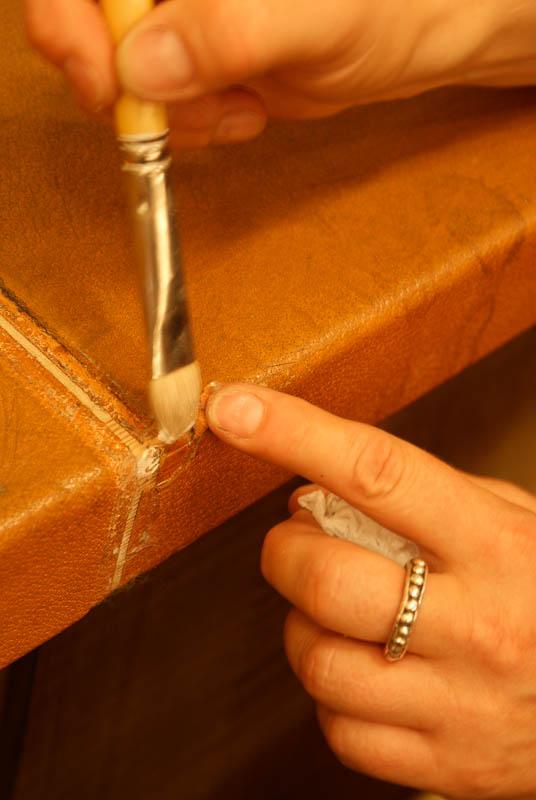 leder und pergamentobjekte restaurierungsatelier elvira. Black Bedroom Furniture Sets. Home Design Ideas